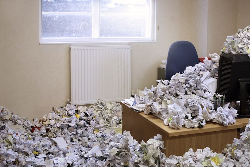 messy-office-clutter-85178812-martin-poole-getty-compressor